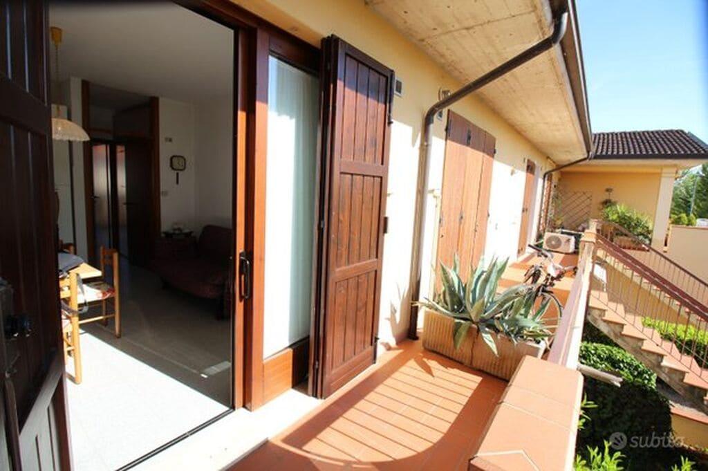 Appartamento bilocale con balcone e ampio garage  Colombare (Sirmione)