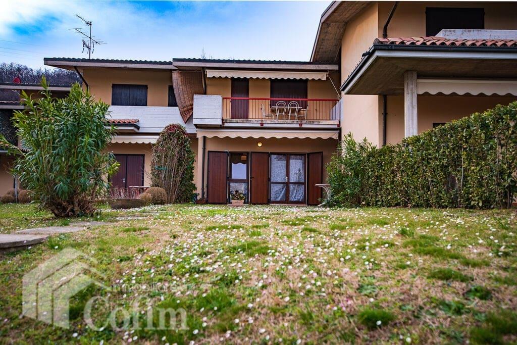 Appartamento bilocale residence con piscina,  tennis e parco  Padenghe sul Garda
