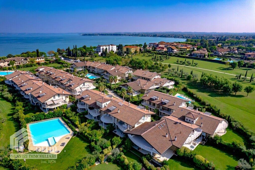 Appartamento cinque locali con giardino in residence/piscina   Colombare (Sirmione) - 2
