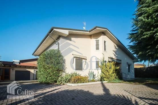 Villa bifamigliare Lazise MD0017