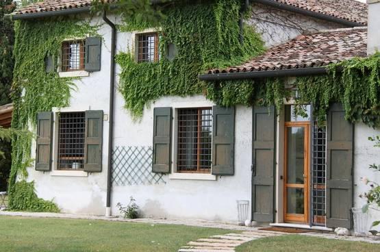 Luxury villa Peschiera del Garda NE0010