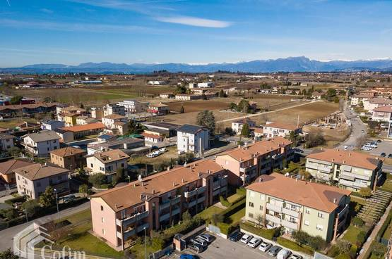Two-rooms Apartment in residential area with exclusive courtyard, Lake Garda in Castelnuovo del Garda
