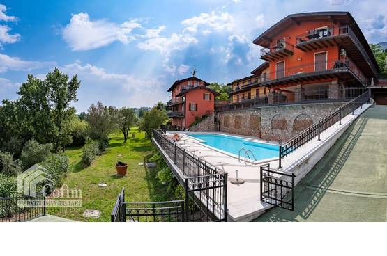 Appartamento bilocale terrazzo piscina al golf club Bogliaco del Garda Toscolano-Maderno