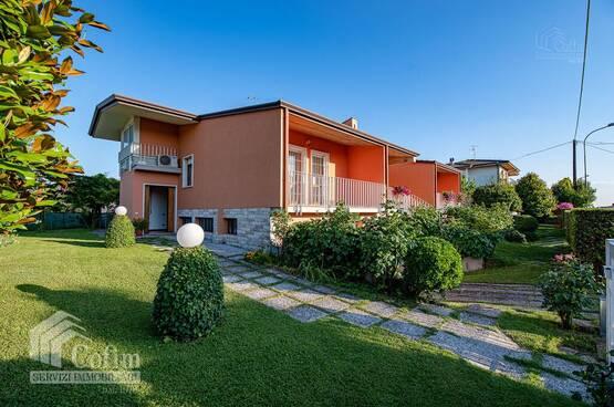 Villa bifamigliare Castelnuovo del Garda MD0071