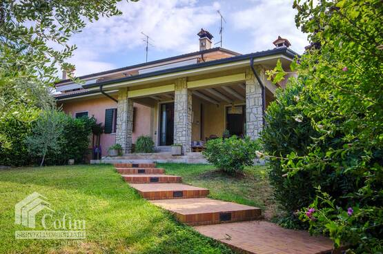 Villa bifamigliare Castelnuovo del Garda MD0119
